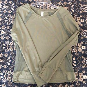 Long sleeve crop workout shirt